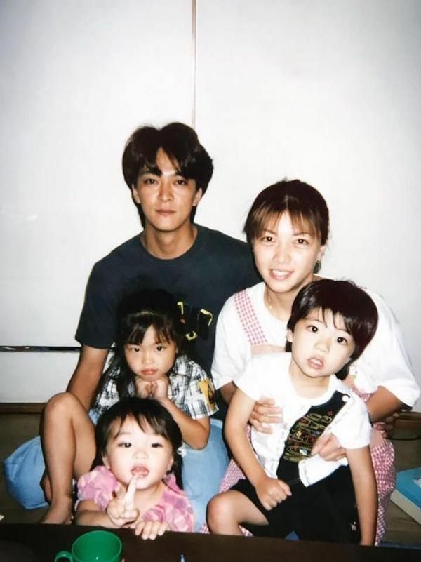 優しく子煩悩だったという仲澤勝美さんと家族。子どもたちが幼かったころ(遺族提供)