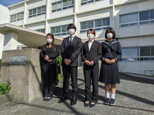 父の死後、体調を崩して動けなかった母を支えて、真実を究明してきた、故・仲澤勝美さんの4人の子どもたち(筆者撮影)