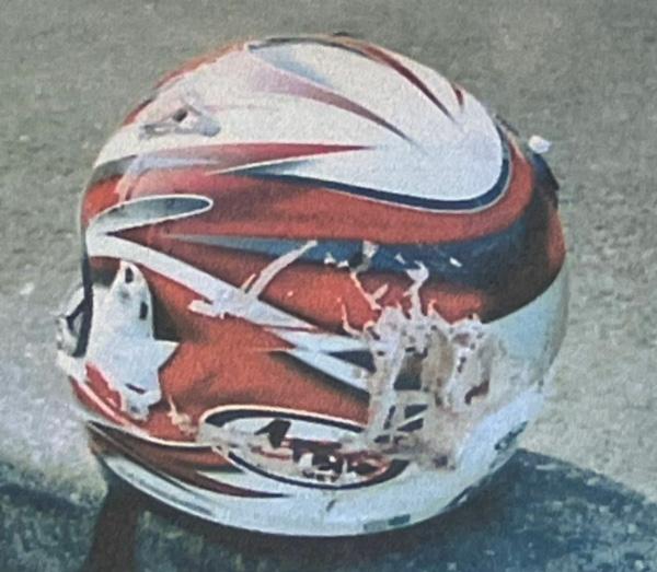敦司さんが最期まで被っていたヘルメット(楠野さん提供)