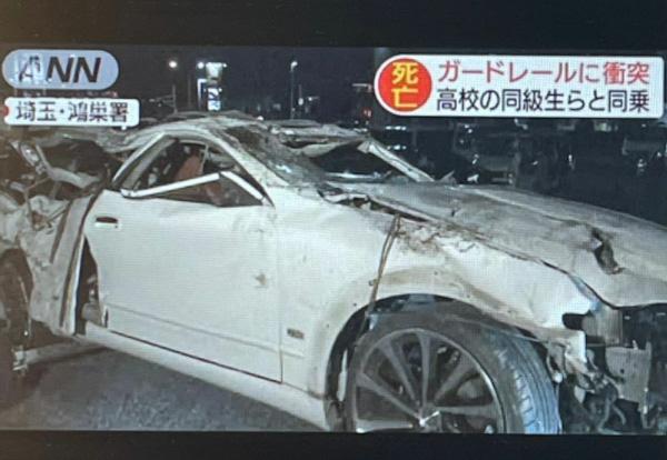 事故翌日に報じられたANNニュースの映像。事故車は大破している(高田さん提供)