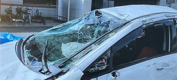 激しく破損した事故車(石田さん提供)