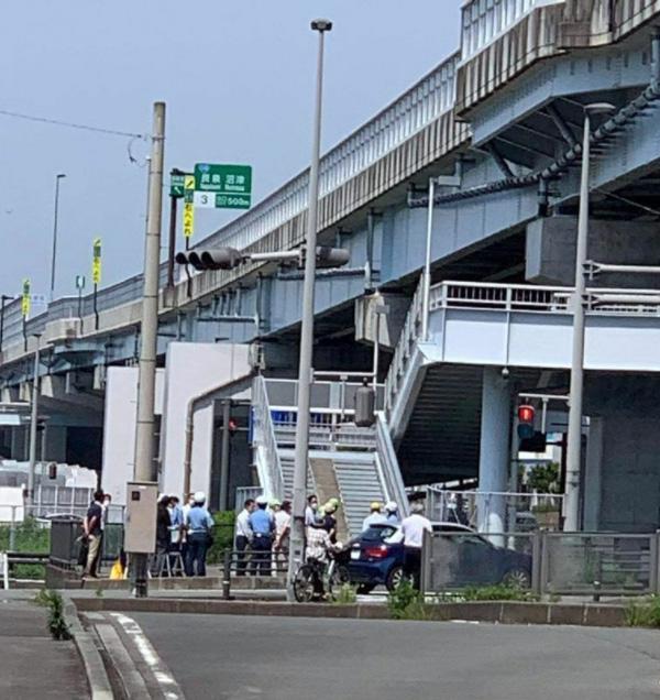 6月8日に三島市の死亡事故現場で行われた、現場診断(遺族提供)
