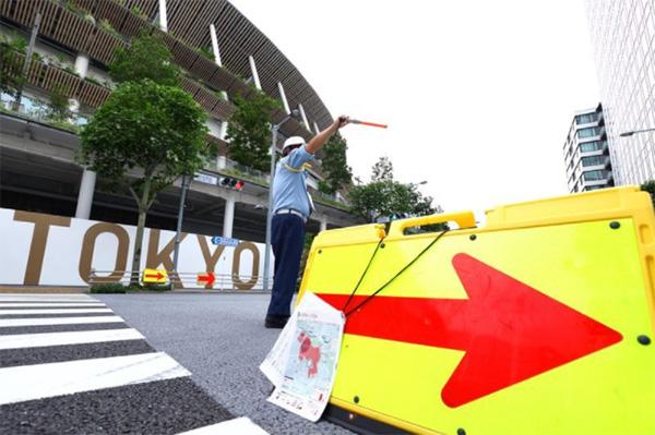 東京2020大会開催中、東京をはじめ全国各地の教師会場付近では「専用レーン」や「優先レーン」等の交通規制が行われ、違反をすると反則金や違反点数の加算が行われる(写真:西村尚己/アフロスポーツ)
