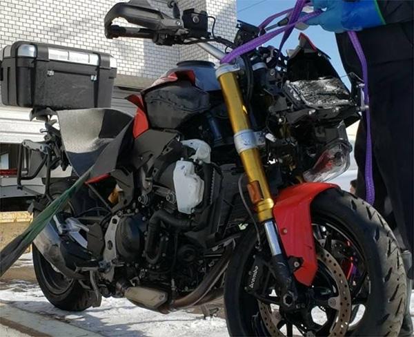 新車で納車されたばかりの大型バイク。被告は事故の日、ツーリングで慣らし運転の途中だったという(竹林さん提供)